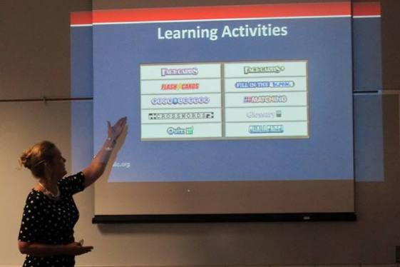 Dr. Rogers shows participants the various learning activities provided in StudyMate program